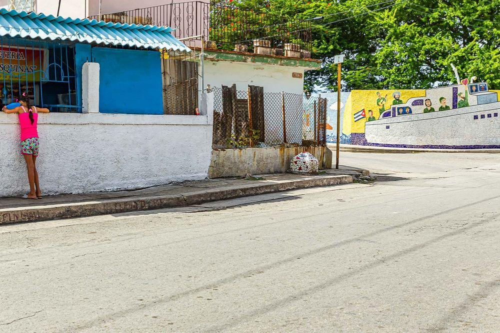 cuba_street_fernandia_boat.jpg