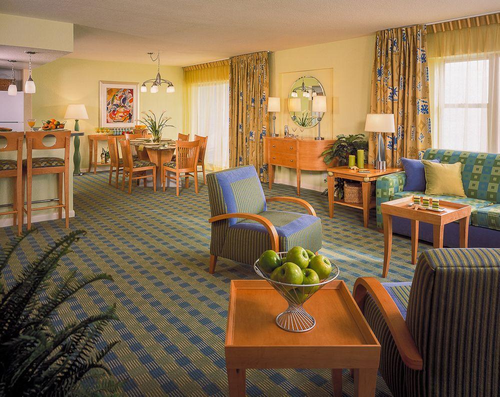 1solara_resort_livingroom.jpg