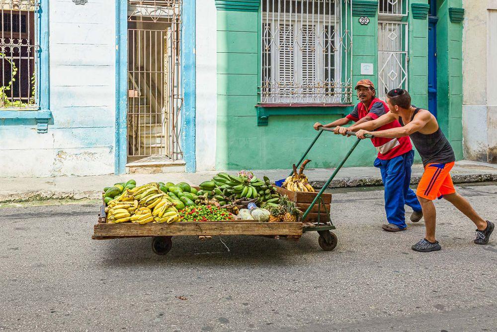 cuba_street_fruit_transporters.jpg