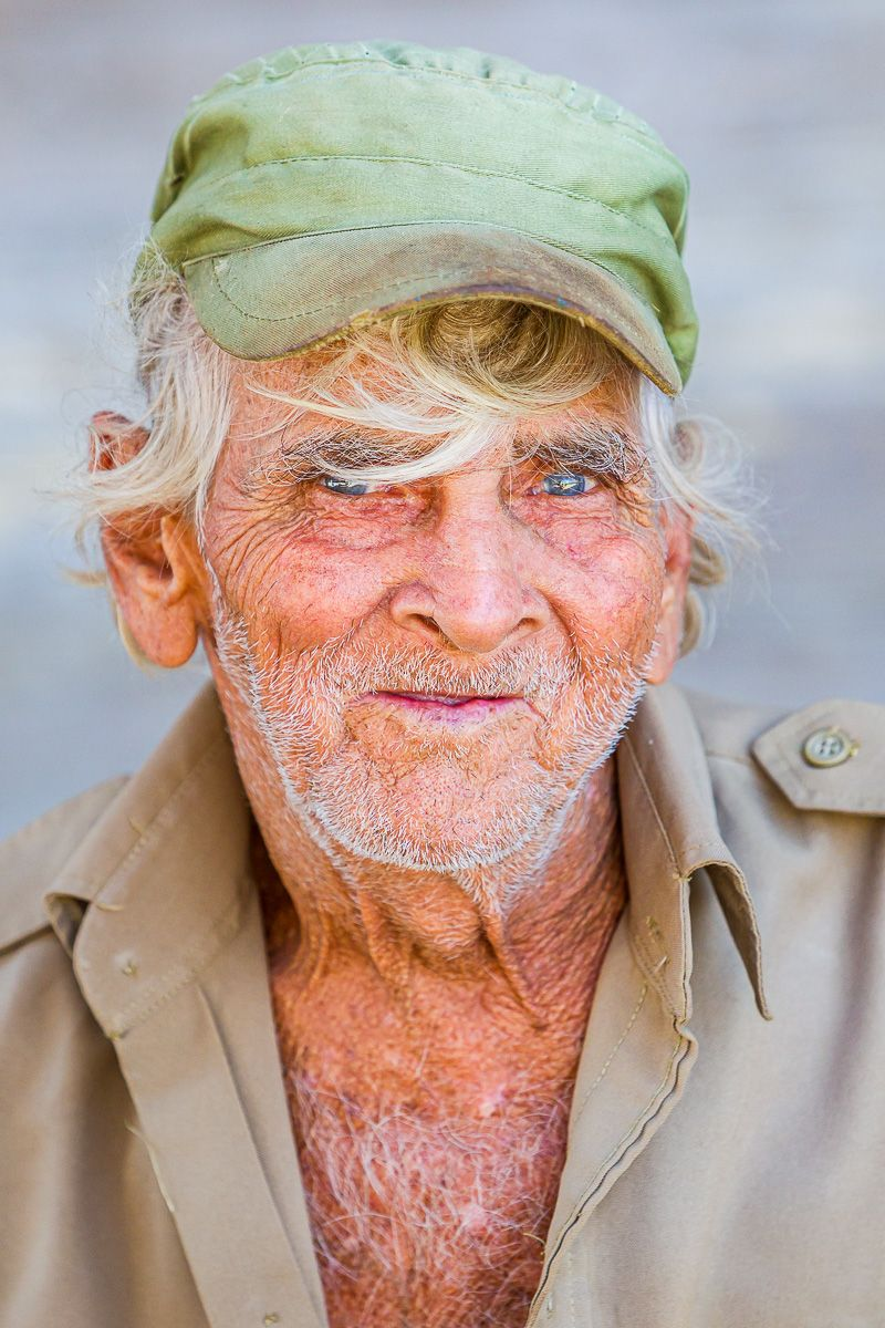 cuba_man_blue_eyes_portrait.jpg