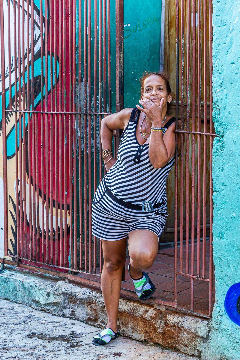 cuba_street_woman_lines.jpg