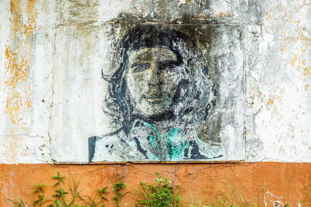cuba_street_revolution_wall.jpg