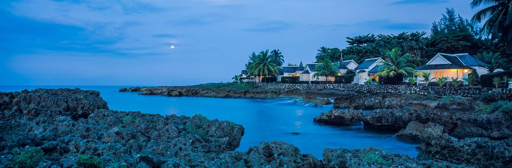 trident_moonrise_port_antonio_jamaica.jpg