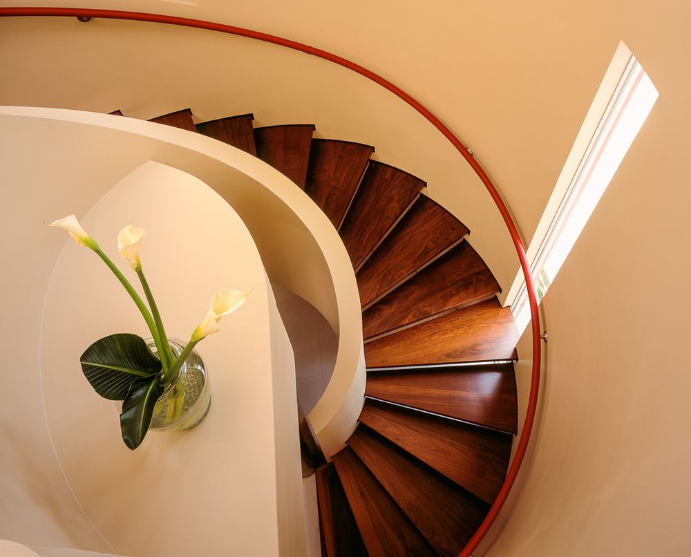 1yoshino_page_nautilus_staircase.jpg