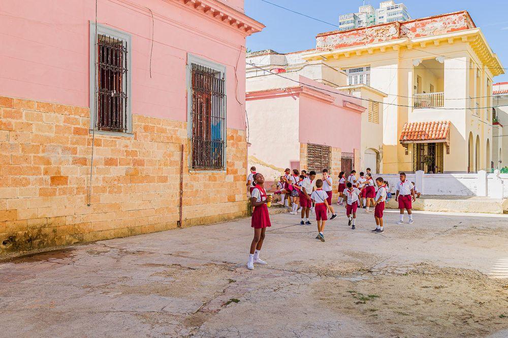 cuba_schoolyard_kids.jpg