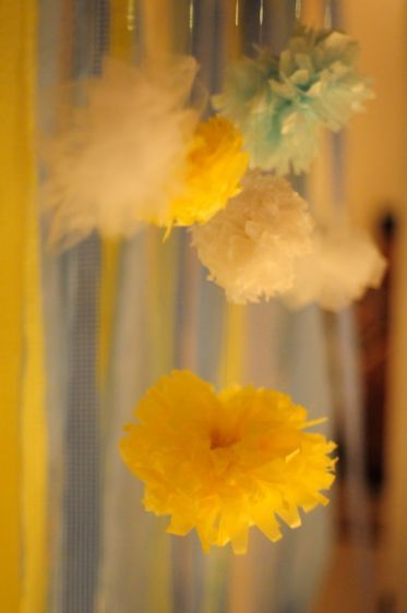 1R___S__pom_poms_and_ribbons.jpg