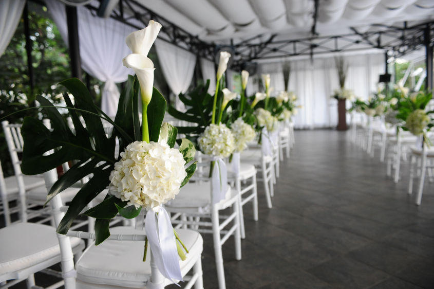 ceremony decor in white