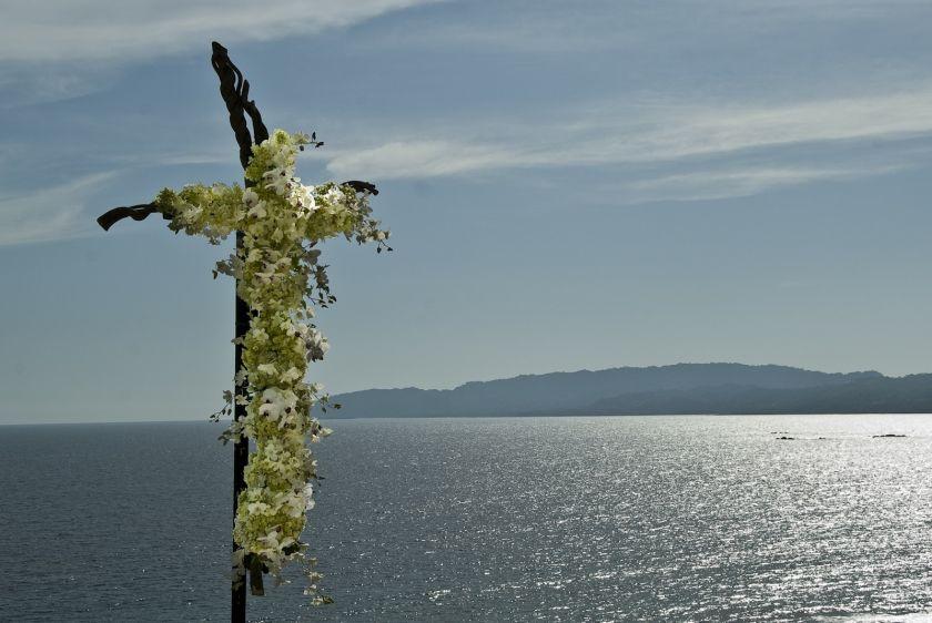Floral decor cross