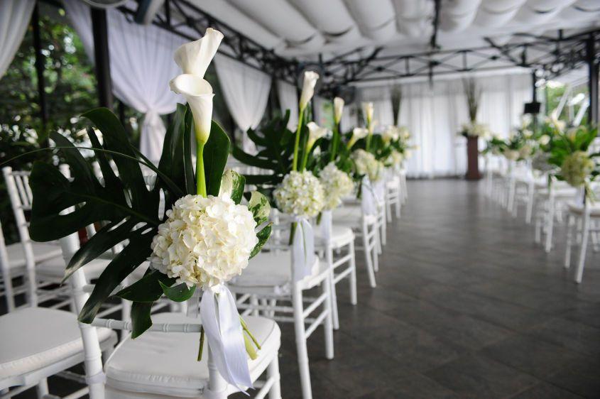 ceremony decor in white