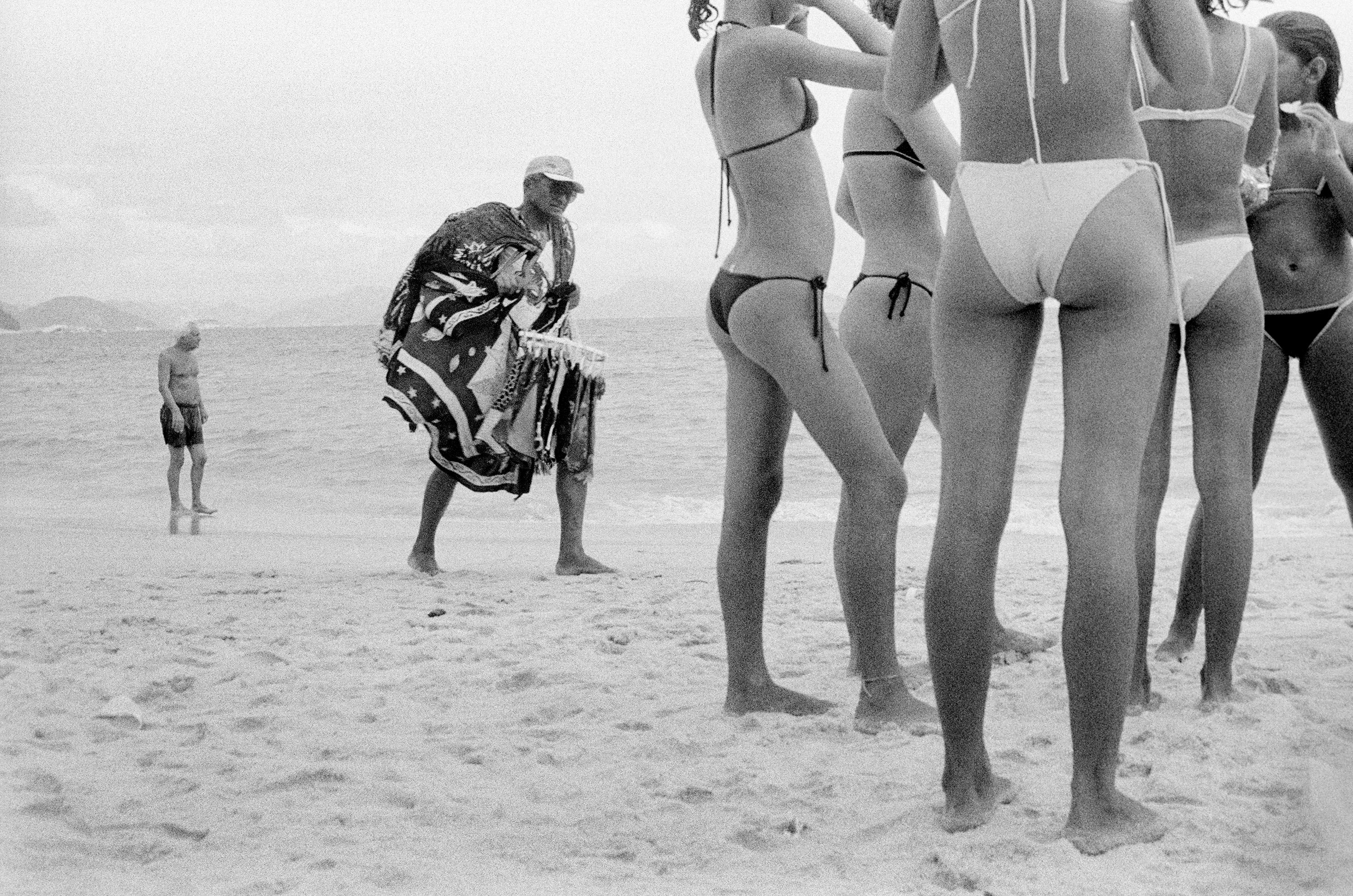 01 Beach Venders of Copacabana by Andre Cypriano.jpg