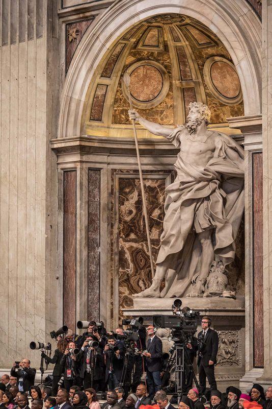 VaticanPressPhotographers_K9A1283_2.jpg