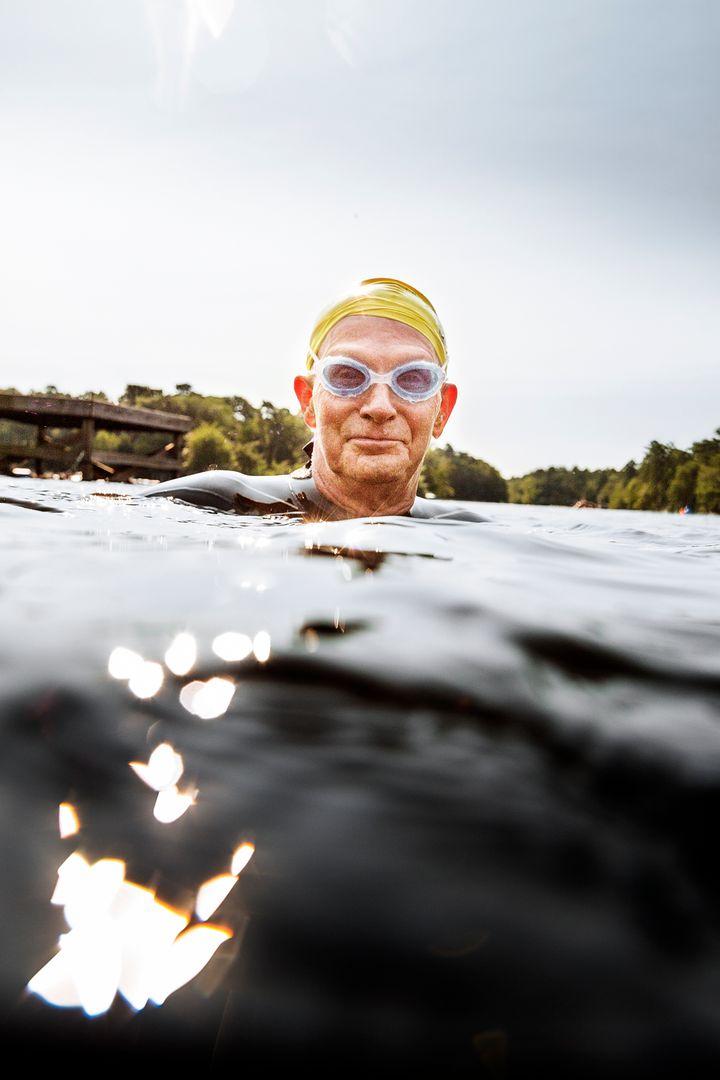 mconfer Seniors Portrait Swimming 7267.jpg
