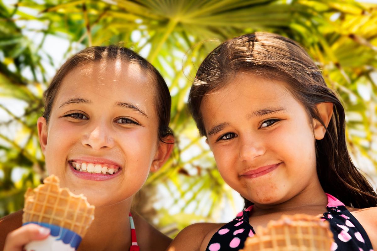 LifeStyle Image - Girls Enjoying Ice Cream.jpg