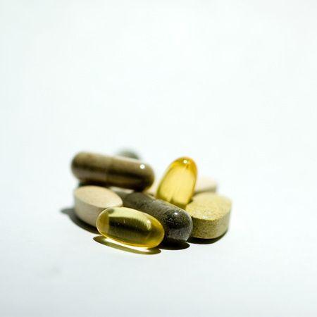 1r20070126_Stock_Vitamins_DHF_001