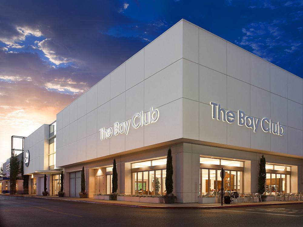 John-Sutton-Photography-The Bay Club at Dusk