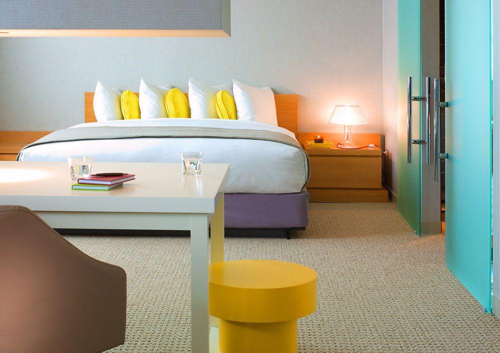 John Sutton Photography-InterContinental Guest Bedroom