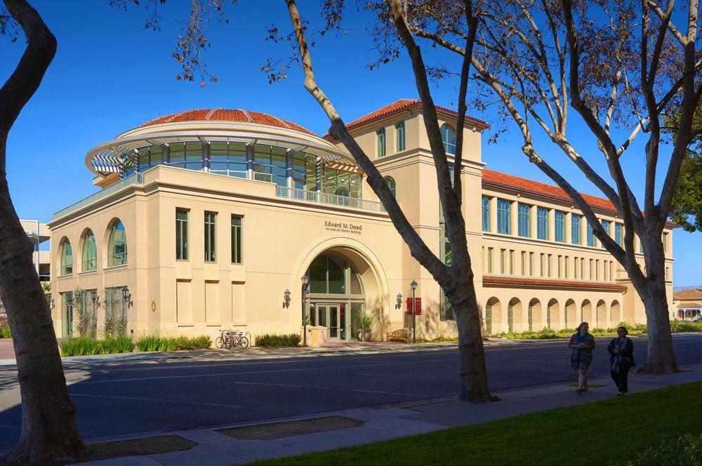 Santa Clara University Dowd Classroom Building