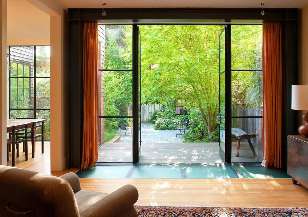 John-Sutton-Photography-Livingroom with a Garden View