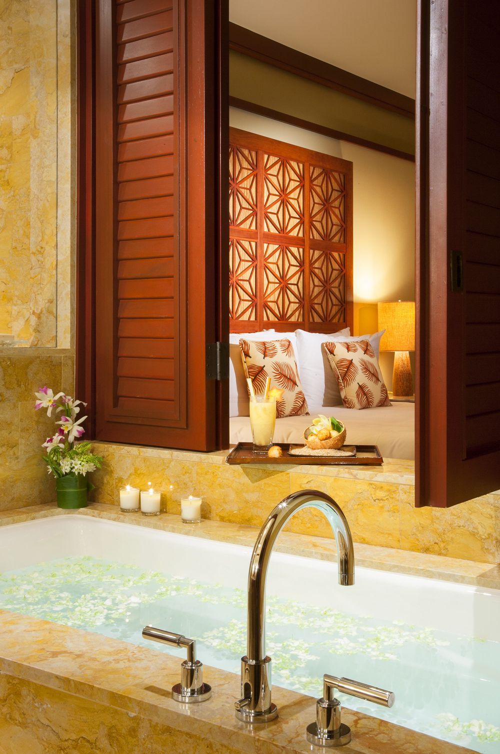 John-Sutton-Photography-Four Seasons Resort Guest Bath