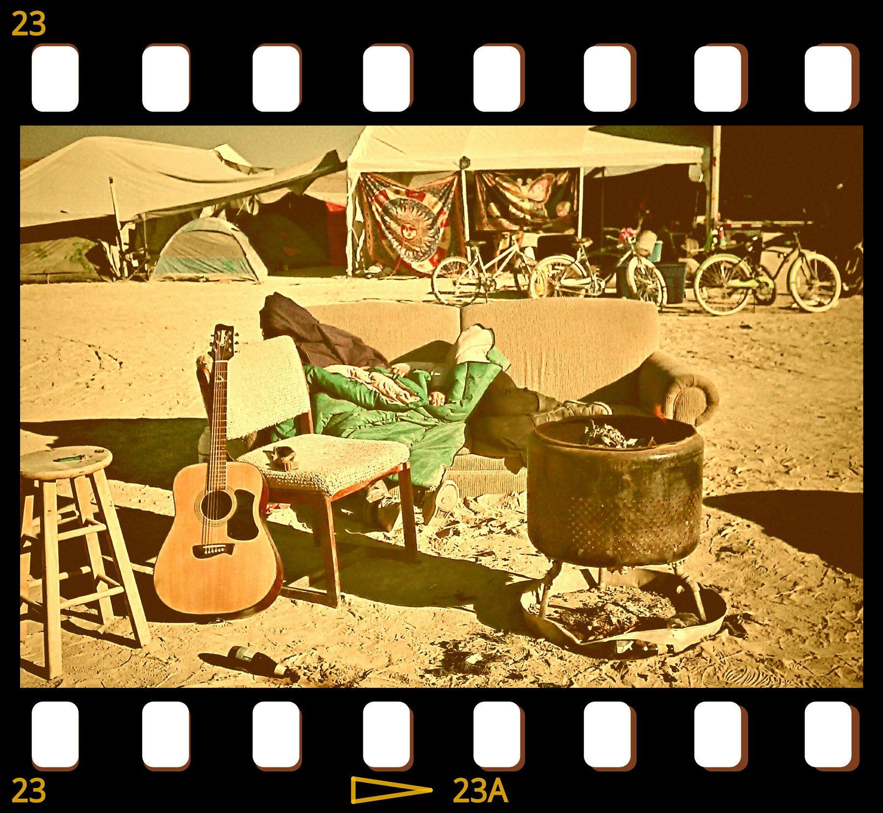 [Gypsy Flower Power Burning Man Camp, the last day... ]
