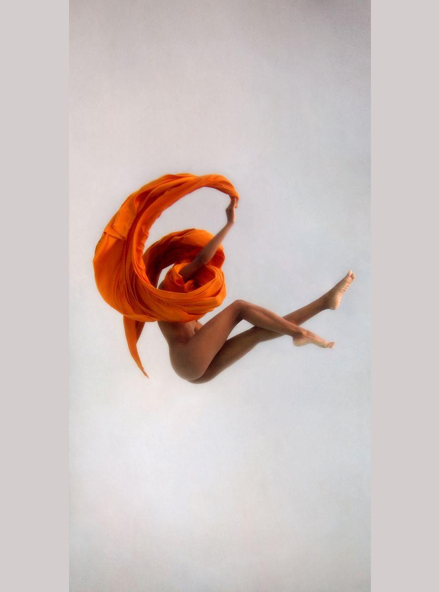 1underwater_commercial_orange_vertical_1
