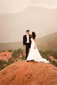1garden_of_the_gods_wedding_photo_02_01