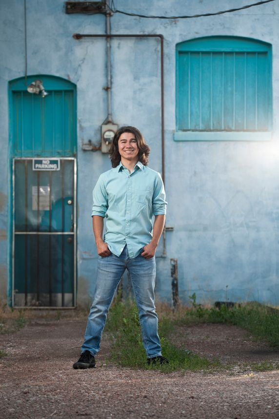colorado springs outdoor high school senior portraits