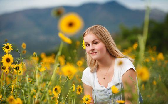 colorado springs outdoor high school senior park portraits