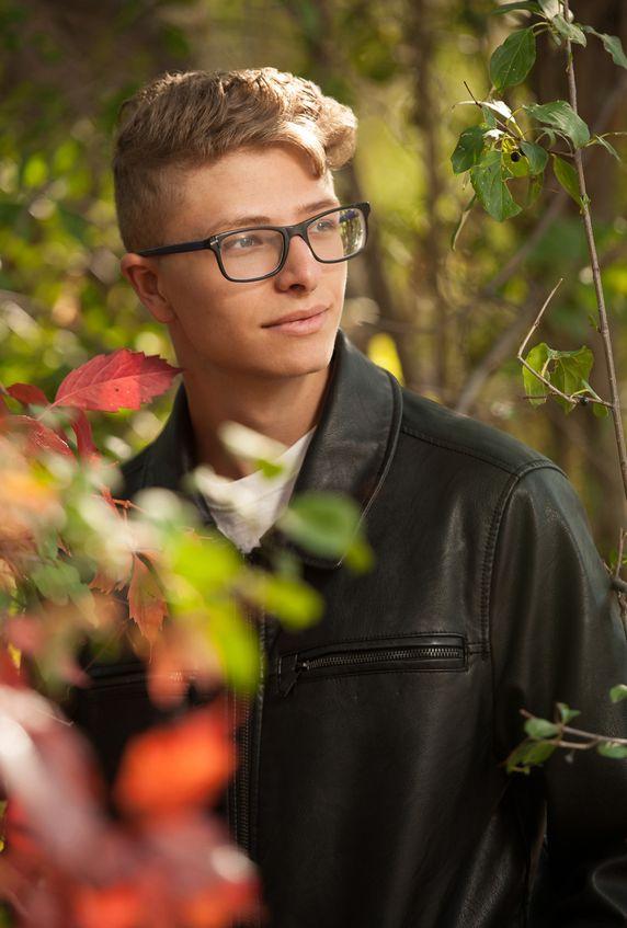 Colorado springs outdoor urban high school senior portraits downtown