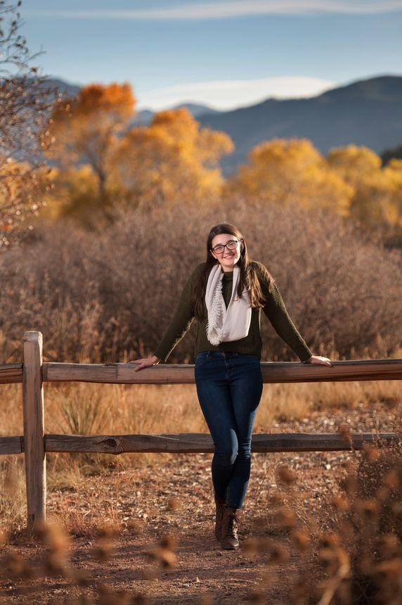 Colorado springs outdoor high school senior portraits garden of the gods