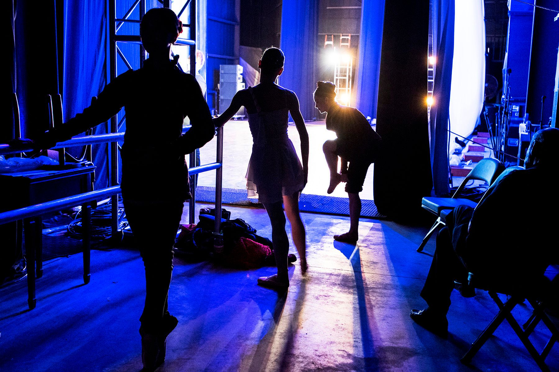 BACKSTAGE AT BALLET