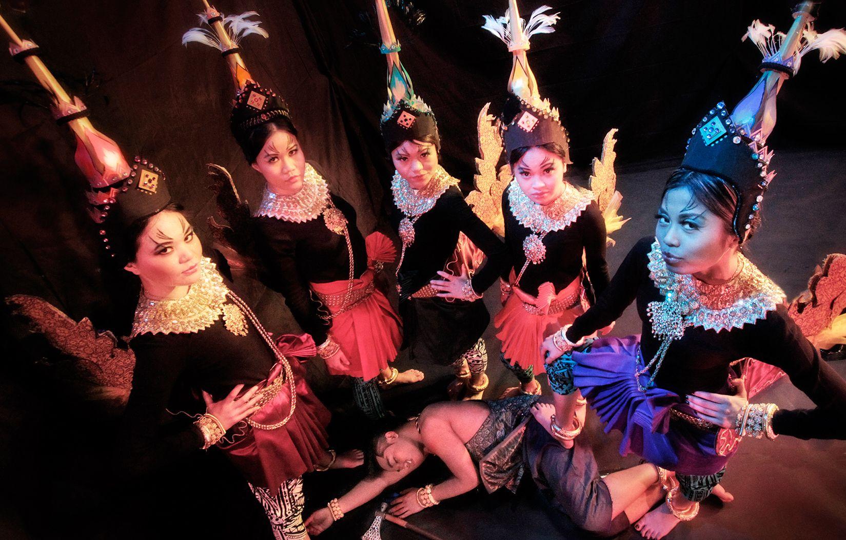 Theater-Nectar02.jpg