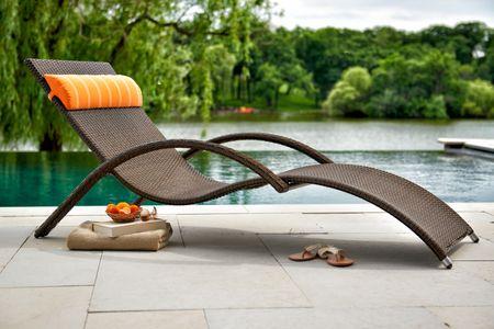 Modern ratan chaise