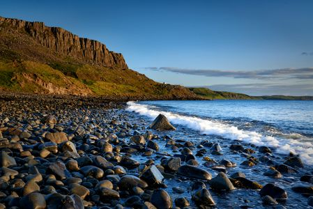 Isle-of- Skye-Beach-Staffin Bay
