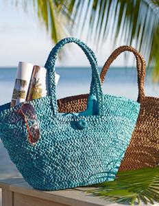 beach bags on beach