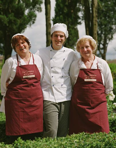Fabulous cooks in TuscanyPhoenix Home & Garden