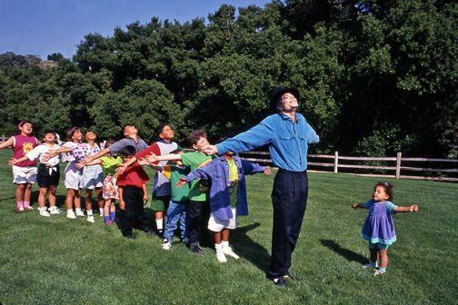 1Michael_Jackson_w__kids_small_Benson