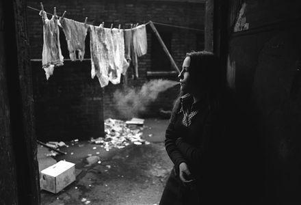 1girlsmoking_1crop_1972