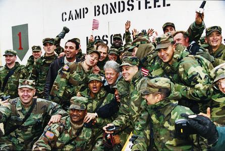 1Clinton_Camp_Bonsteel_Bosnia1999