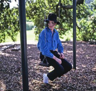 1M_Jackson_in_swing_Benson_1993