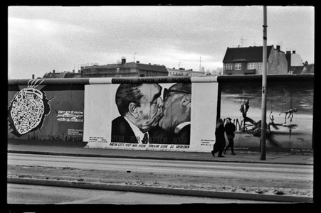 Berlin Wall, Breshnev and Honecker Kiss, 1986