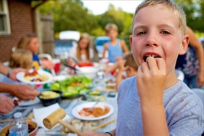 ely-eating-crab-.jpg