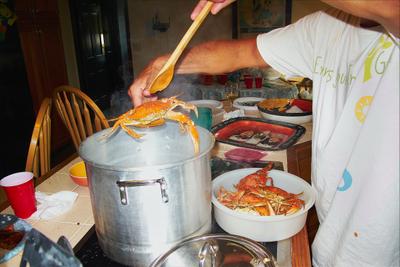 mike-cooking-crab-.jpg
