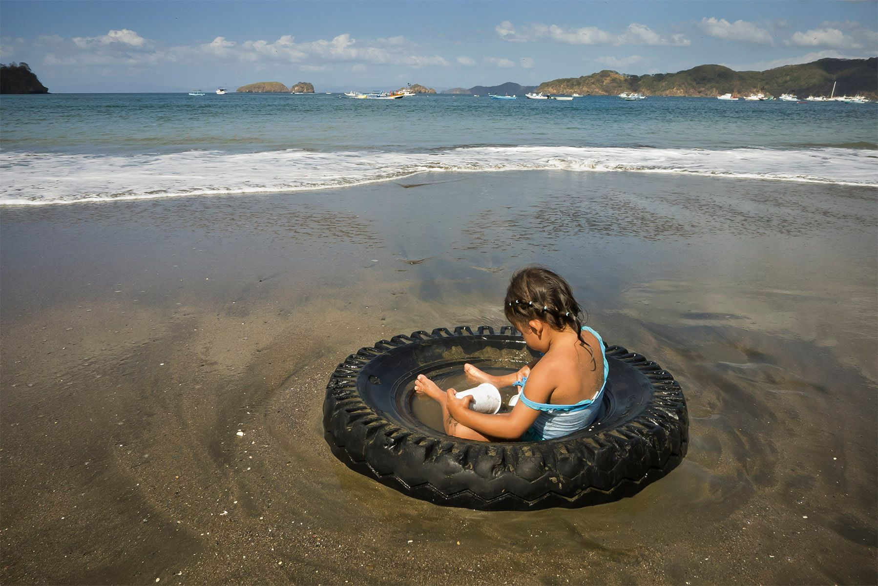 1costa_rica_tirebeach.jpg