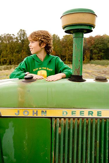 1061018_johndeere_1031_web.jpg