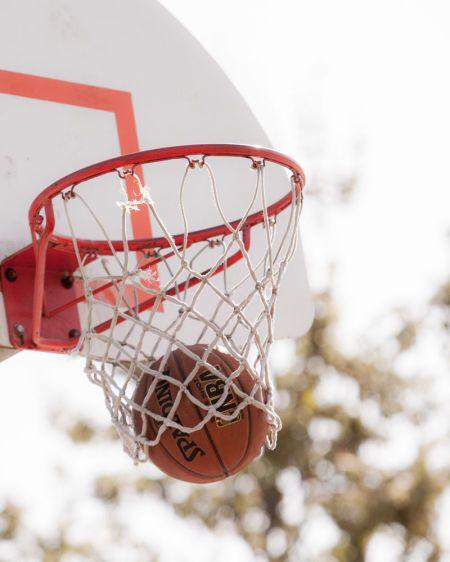 1r140323_basketball_4261.jpg