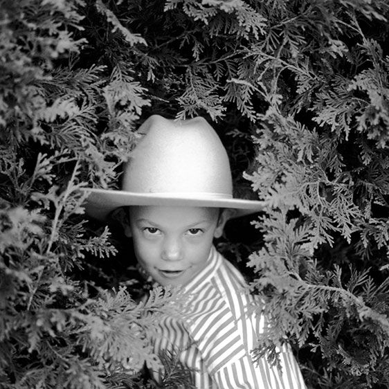 1cowboy_bill_in_the_bushes_82503_19_21_web.jpg