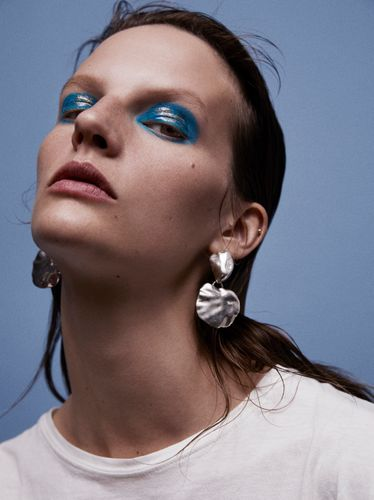 Sara Beauty Book by Linda Gradin Makeup