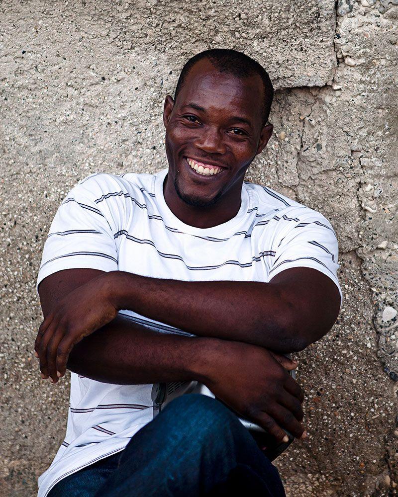 Haiti -sitting smile new webres1000px jpg-20110502-3604.jpg