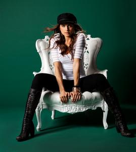 Amra chair